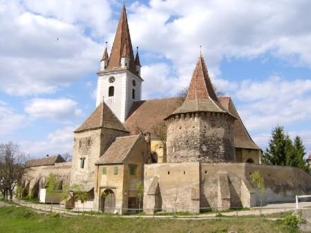 Biserica Fortificata - Casele de Oaspeti Cincsor - o restaurare excelenta pentru turismul autentic