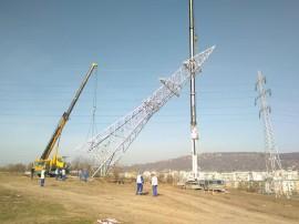 instalare stalpi LEA - linii electrice aeriene