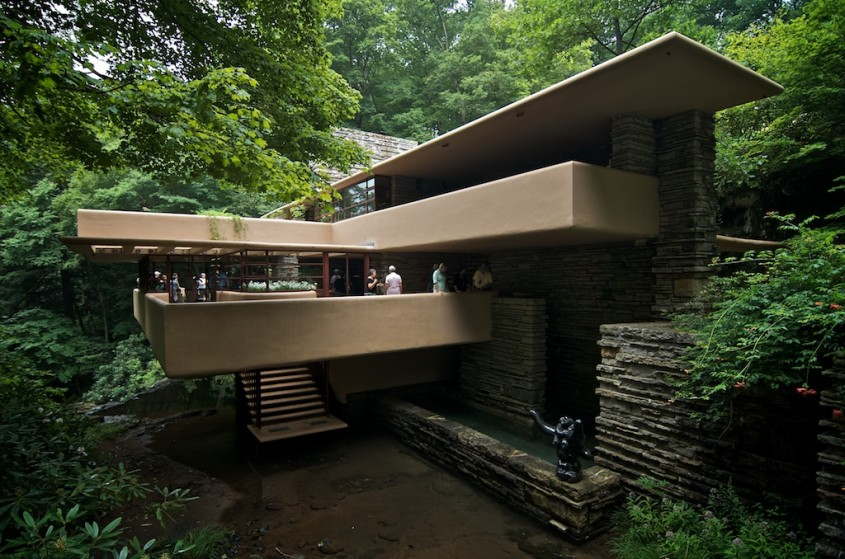 Fallingwater House - 150 de ani de la nașterea unui geniu: Frank Lloyd Wright
