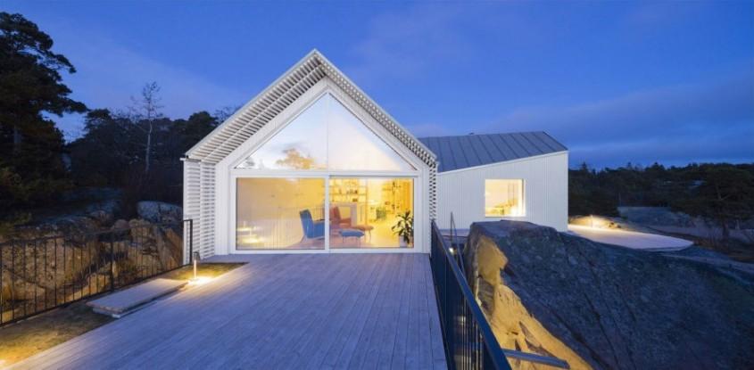 O casă cu vederi spre coastă - O casă cu vederi spre coastă