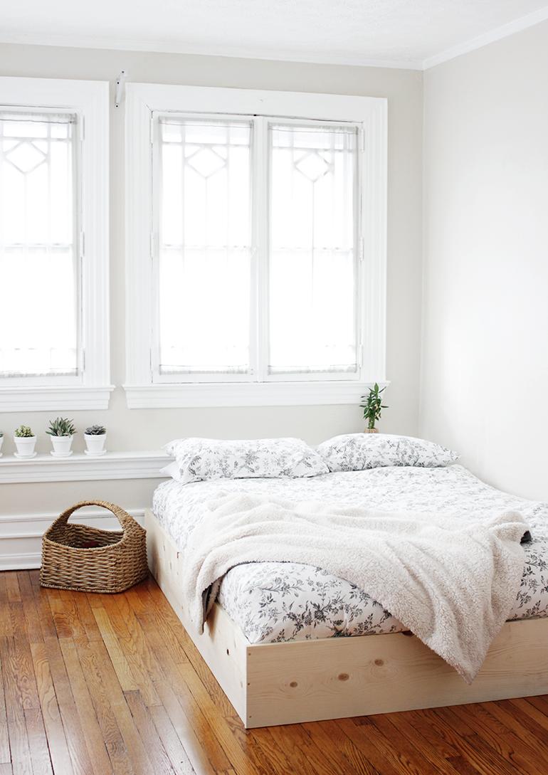 O rama de pat simplu de facut care iti infrumuseteaza dormitorul - O ramă de pat