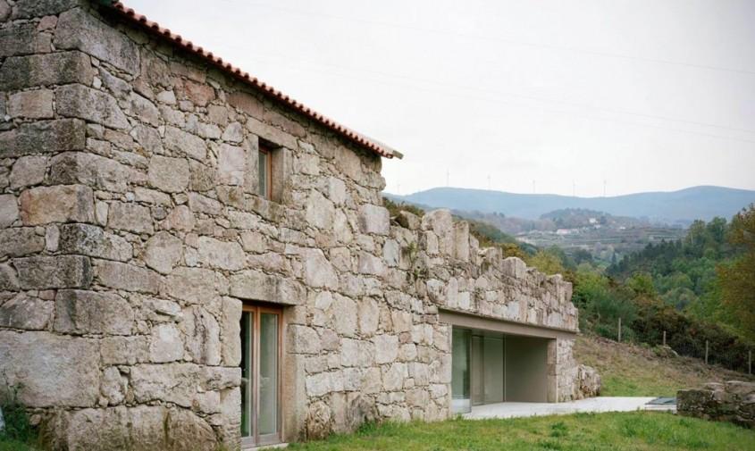 Ruine transformate intr-o casa minimalista si placuta - Ruine transformate intr-o casa minimalista si placuta