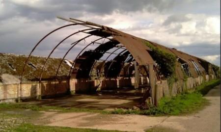 O cazarma din primul Razboi Mondial este acum o casa ecologica - O cazarmă din primul Război Mondial este acum o casă ecologică