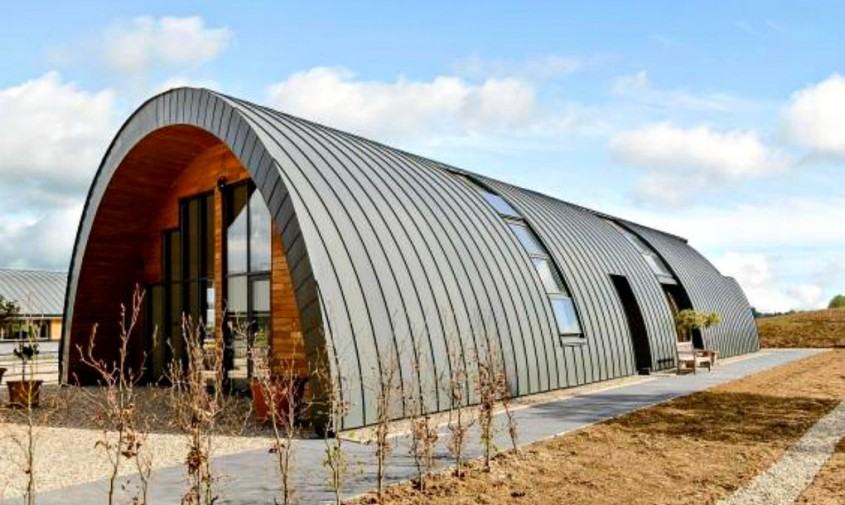 O cazarma din primul Razboi Mondial este acum o casa ecologica - O cazarmă din primul