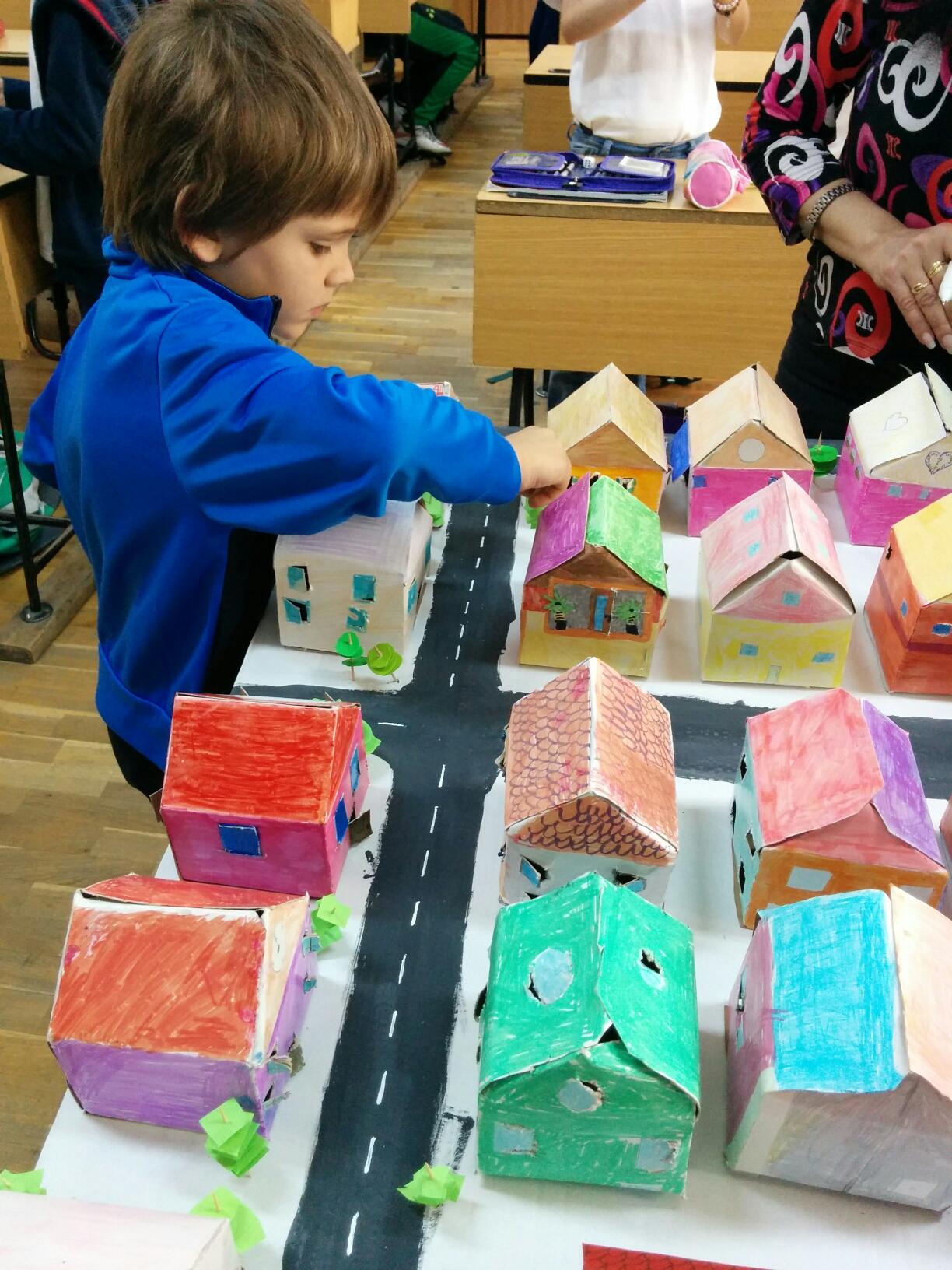 Cinci ani de cursuri De-a arhitectura cinci ani de educatie de arhitectura si mediu construit -