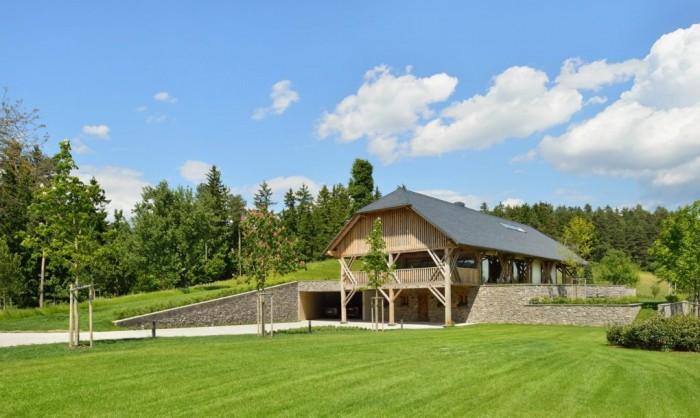 O casa moderna a rezultat din amenajarea unui hambar de paie - O casa moderna a rezultat din amenajarea unui hambar de paie