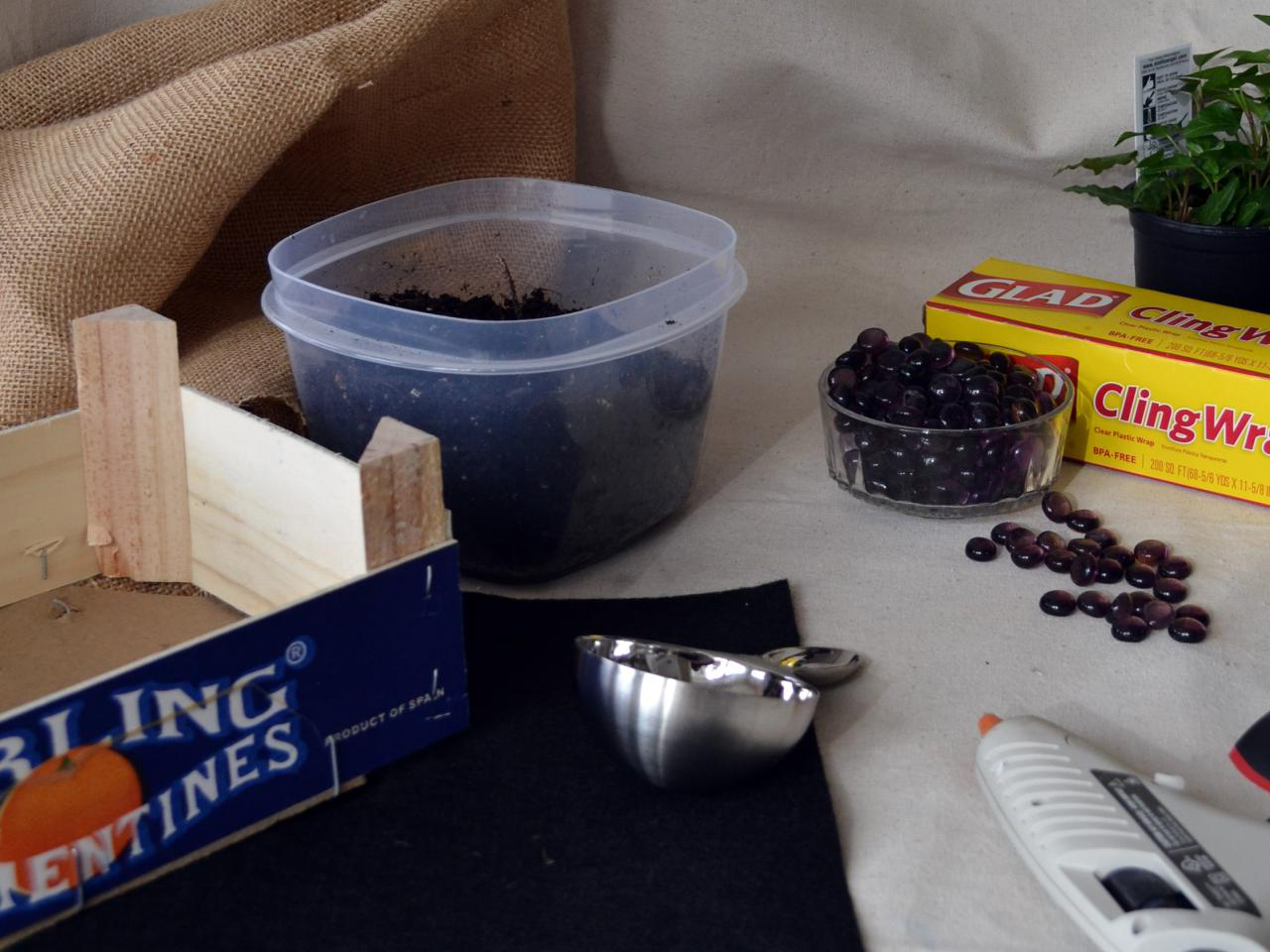 De facut impreuna cu cei mici ghiveciul pentru ierburi aromatice - De făcut împreună cu cei