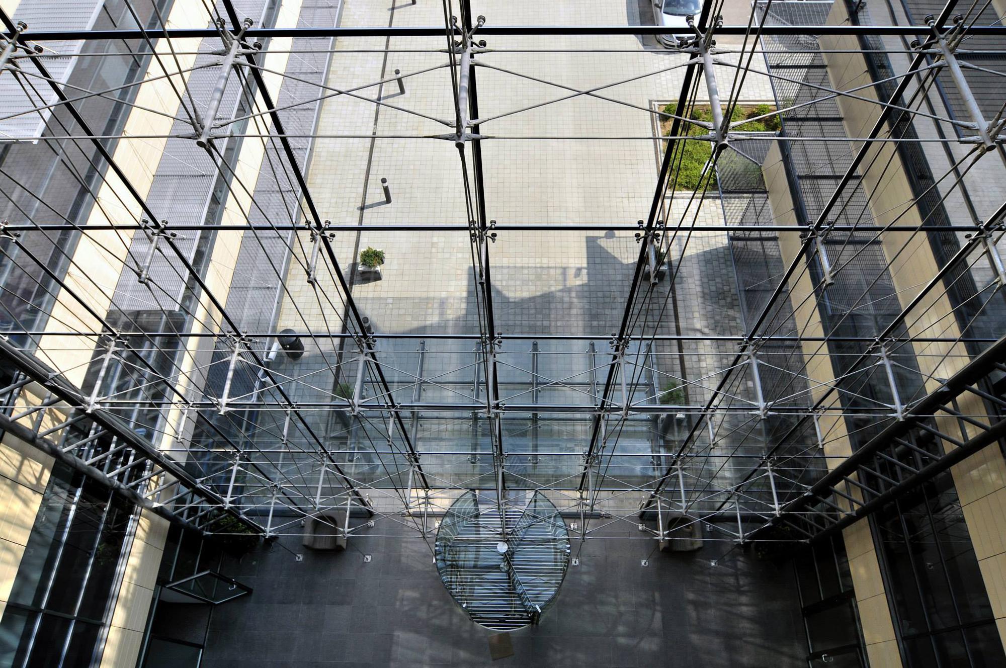 Prelucrare sticla complex de birouri Baneasa Business & Technology Park - Complex de birouri Baneasa Business & Technology Park