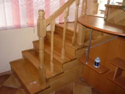 Scara lemn masiv stejar 3 - Scari din lemn masiv - MC PRO