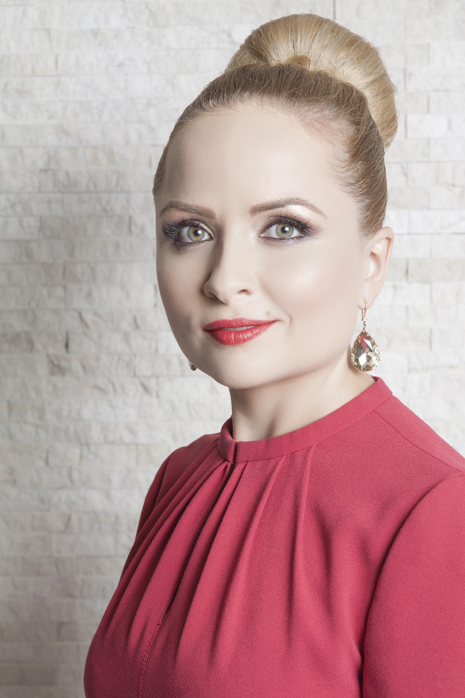 Mariana Bradescu - PIATRAONLINE porneşte în căutarea de #rockstars prin intermediul campaniei de recrutare online Așează-te