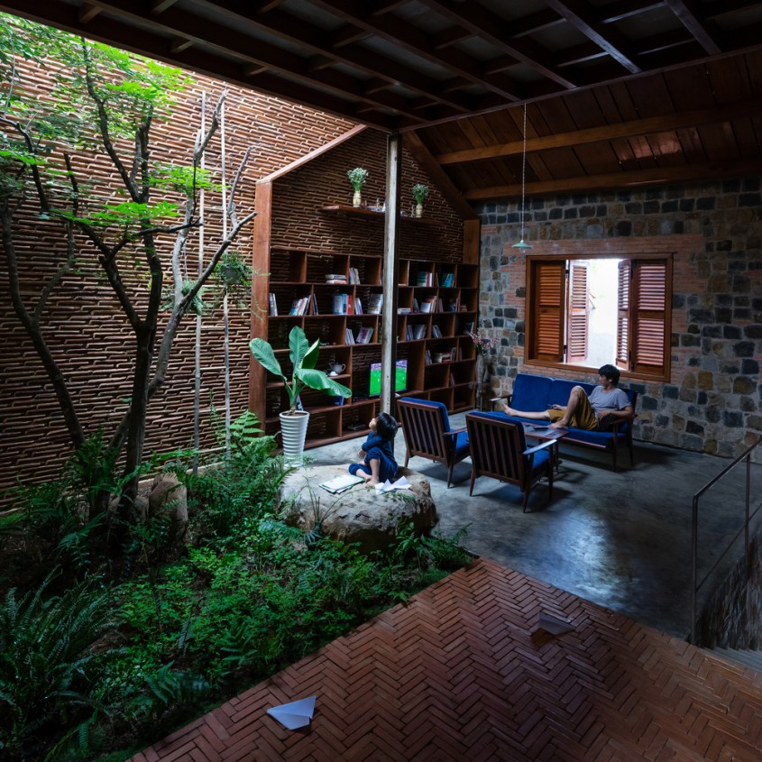 O casa in care copiii redescopera natura - O casa in care copiii redescopera natura