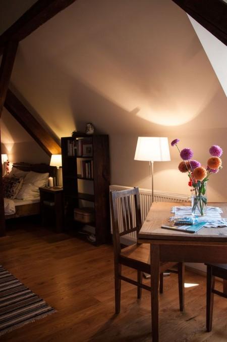 Camera de oaspeti, in vechiul pod - Casele de Oaspeti Cincsor - o restaurare excelenta pentru turismul autentic