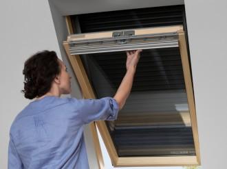 Roleta manuala exterioara SHL - Rulouri pentru ferestre de mansarda