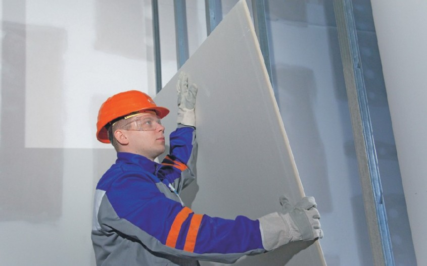PAS 2 Montarea gips cartonului pe cadrul pregatit - Avantaje si pasi de montare pentru pereti