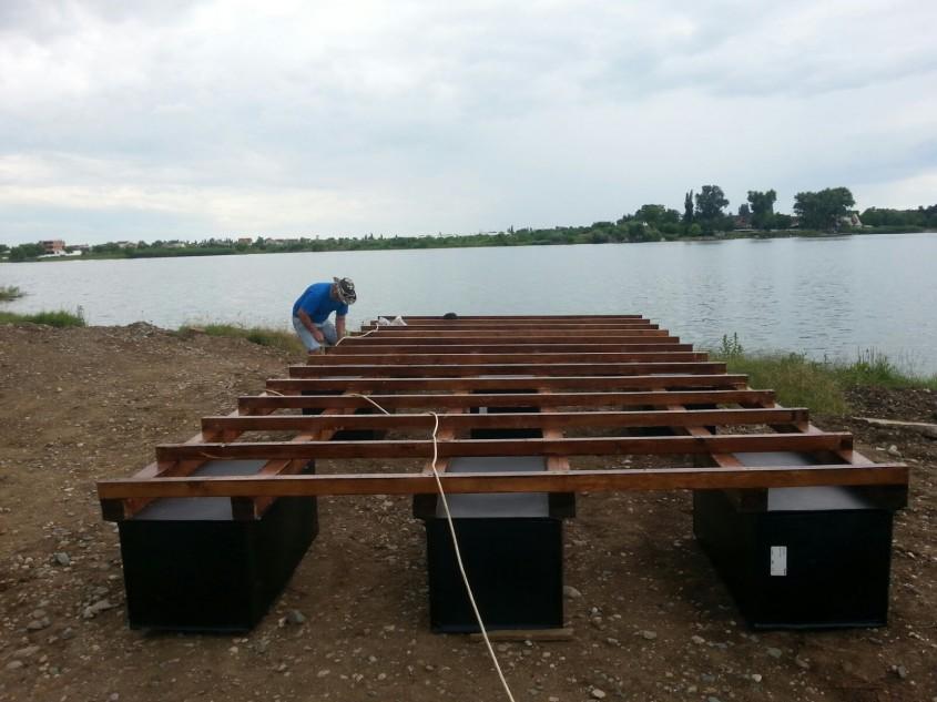 Pontoane plutitoare din lemn compozit romanesc Bencomp - Pontoane plutitoare din lemn compozit romanesc Bencomp