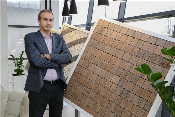 Sebastian Bobu Director Executiv Symmetrica - Profilul cumparatorului de pavele - ce forme si culori aleg