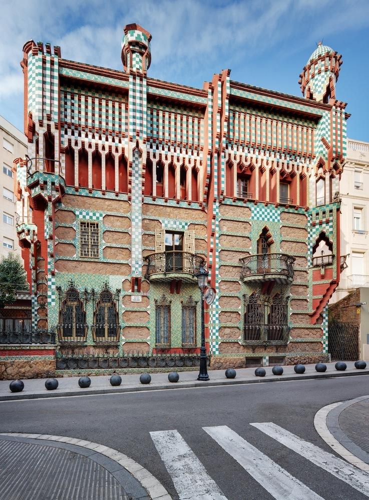 Casa Vicens - 7 arhitecți cărora nu le-a fost frică de culoare
