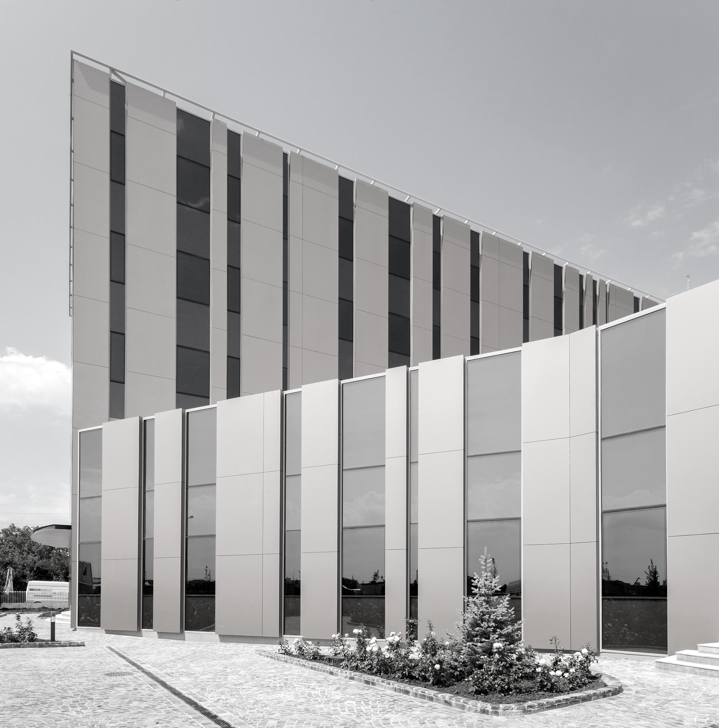 Farmexim Headquarters - Nominalizarile pentru Premiile Romanian Building Awards - premii de recunoastere publica a excelentei in proiectarea si executia spatiului construit din Romania