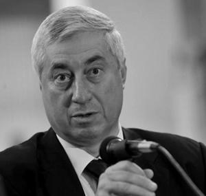 "Dr Ernest Oberlaender-Tarnoveanu – Romania istoric Director MNIR - Concursul international de solutii de arhitectura ""Noul"
