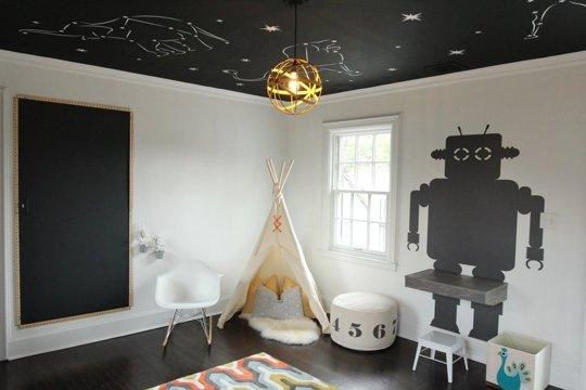 Un cer instelat intr-o camera de copil in alb si negru - Un cer instelat intr-o