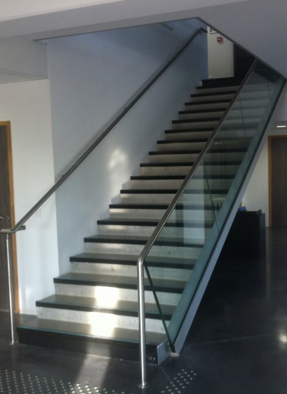 Sistem SABCO din aluminiu pentru balustrade din sticla fara cadru - Sistem din aluminiu pentru balustrade