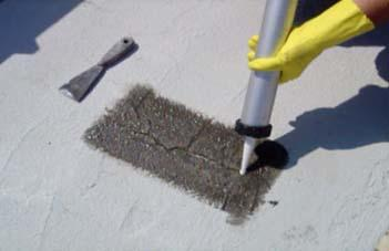 Repararea fisurilor - Hidroizolarea corecta a unui acoperis si protectia membranei cu materiale reflexive