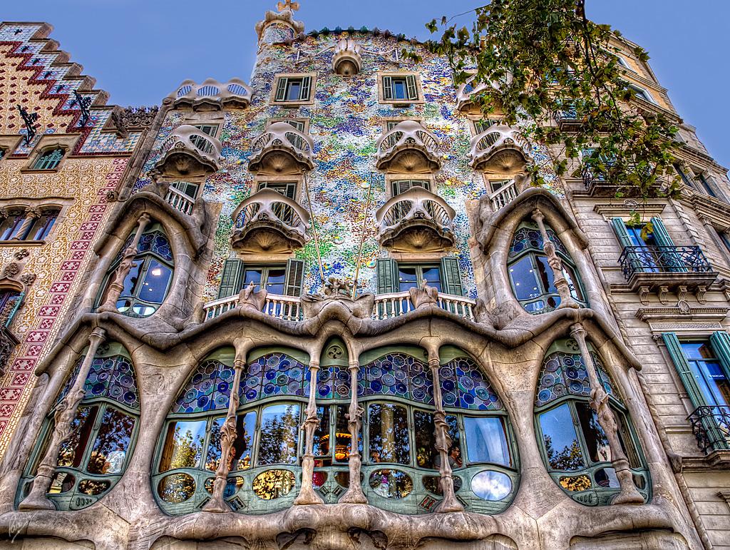 CasaBatllo - Arhitectura din operele lui Antonio Gaudi
