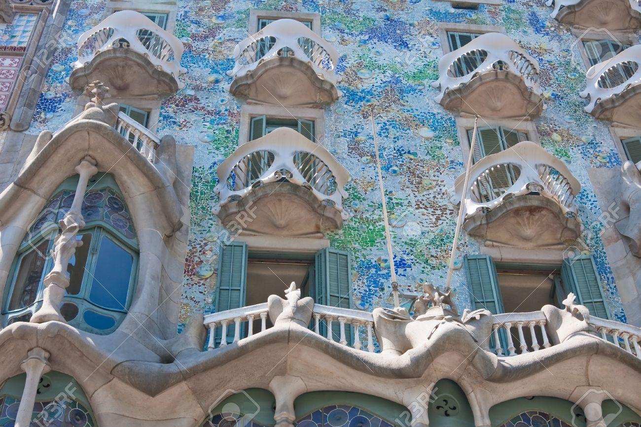 Casa Mila Barcelona - Arhitectura din operele lui Antonio Gaudi