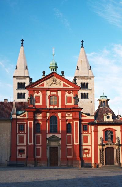 Bazilica Sf. Gheorghe - O călătorie arhitecturală prin Praga, orașul celor 100 de clopotnițe - partea I