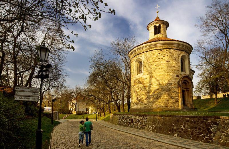 Rotunda Sf Martin - O călătorie arhitecturală prin Praga orașul celor 100 de clopotnițe - partea