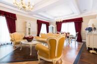 Living + hol intrare 7 - Apartament clasic Tarcau