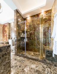 Baie matrimoniala - Apartament clasic Tarcau