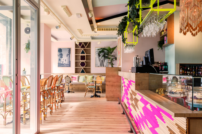 Wanda Cafe Optimista  - 14 cafenele care-ti dovedesc frumusetea design-ului creativ