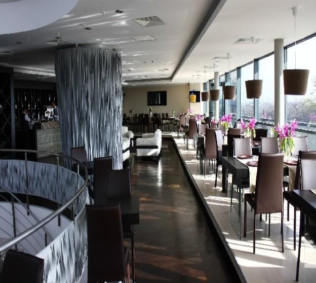 Pardoseala Micro-Topping - Pardoseli decorative pentru cafenele, restaurante, terase de vara
