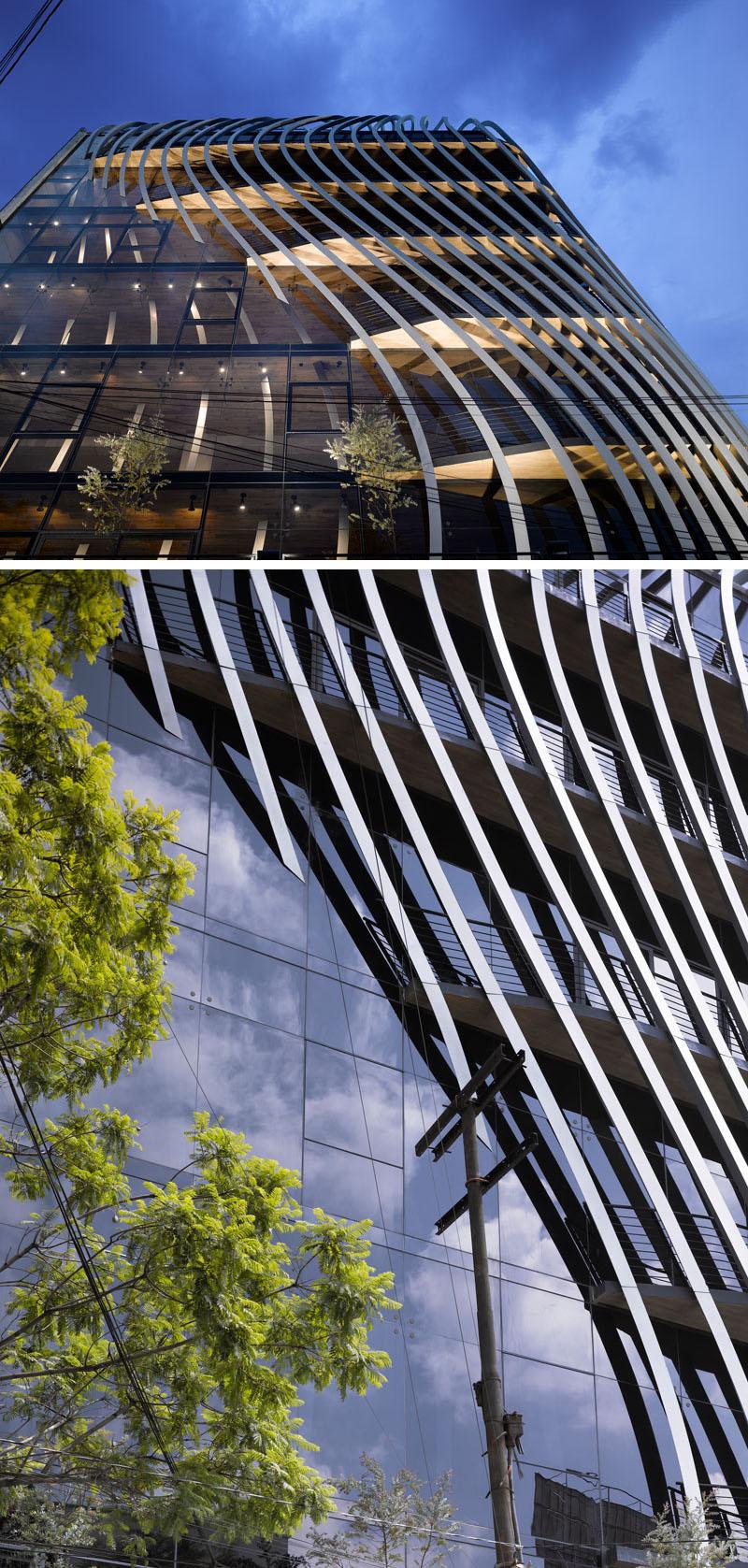 O clădire nouă din plăci metalice a fost proiectată în Mexico - O clădire nouă din