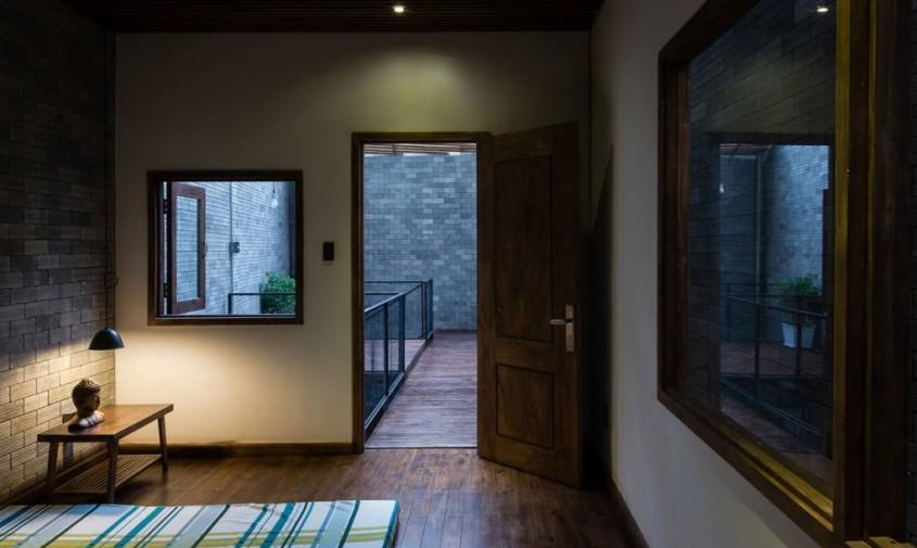 Zen-House-by-HA-18-1020x610 - Poti regasi calmul unei manastiri budiste in interioarele unei case din Vietnam