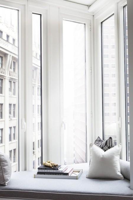 Sugestii de amenajare a unui spatiu de relaxare in dreptul ferestrei - Sugestii de amenajare a unui spatiu de relaxare in dreptul ferestrei amenajare a unui spatiu Sugestii de amenajare a unui spatiu de relaxare in dreptul ferestrei jordan carlyle4 thumb 2 121651