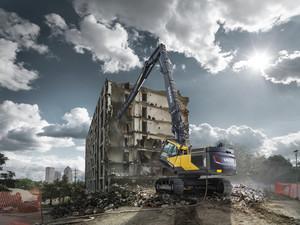 Utilajele pentru demolare la inaltime mare Volvo  - Excavator pentru demolare la inaltime mare