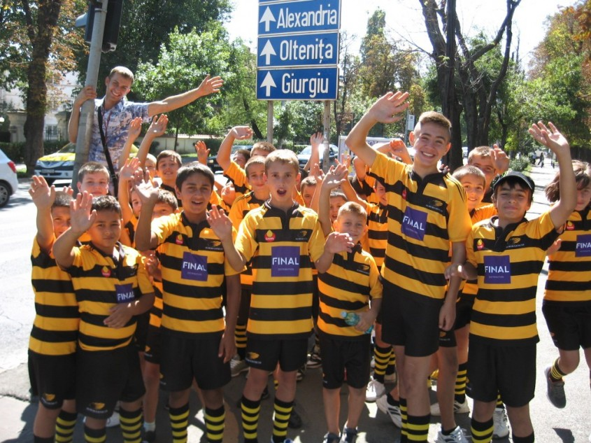 Echipa de rugby CS Aurora Baicoi - Final Distribution lider pe piata invelitorilor metalice cu acoperire