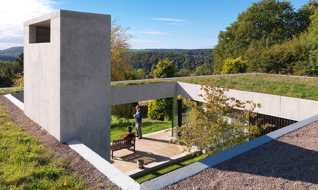 Un Acoperis Verde Asigura Continuitatea Casei In Peisajul