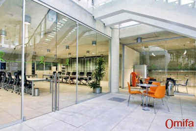 Perete modular de compartimentare din sticla -  DIAMOND WALL - Pereti structurali modulari din sticla - OMIFA