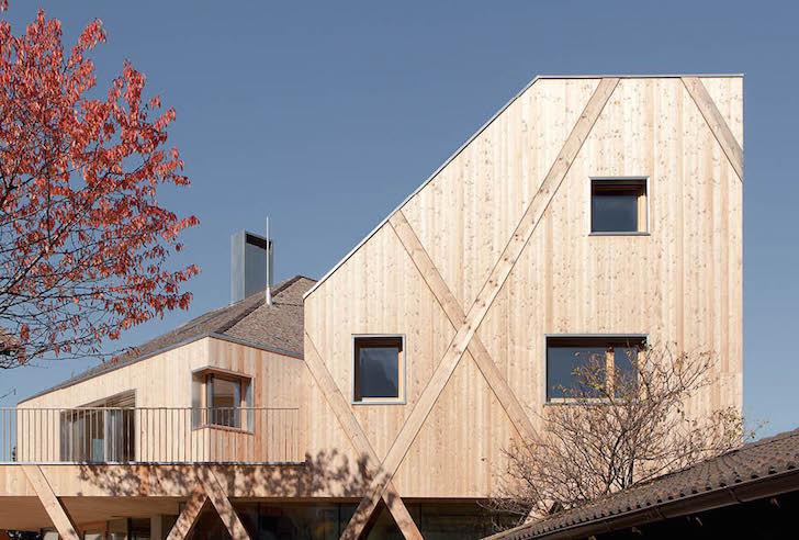 Artist-Studio-by-MoDus-Architects-4 - O casa pe structura din lemn a carei volumetrie imita relieful muntos din imprejurimi