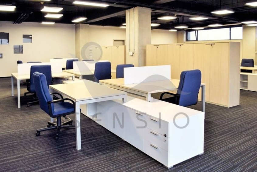 Scaune si birouri operationale din open space - Birourile ELBI Electric & Lighting sau cum sa