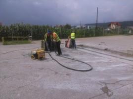 Detaliu reparatie zonala a betonului -  Reparatii zonale ale betoanelor fisurate/degradate