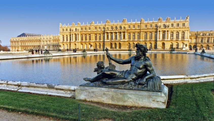Palatul Versailles, Paris - Lectia de arhitectura - emblemele stilului baroc