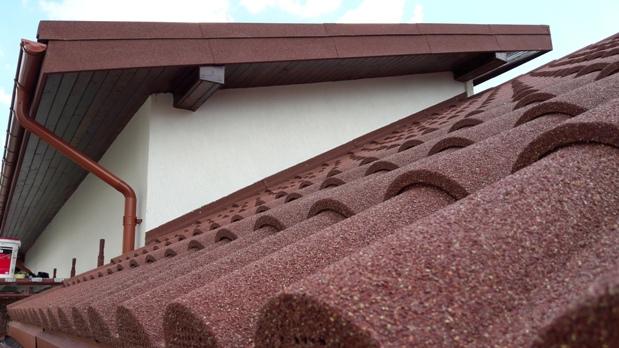 Profilul Decra Roman - unic ca forma si dimensiuni aplicabil si pe configuratii complexe ale invelitorilor