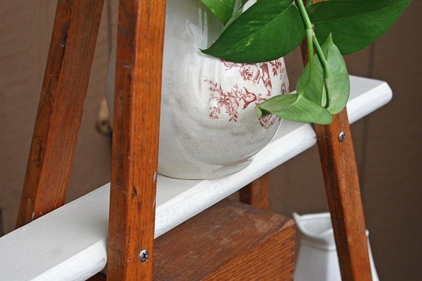 Proiect neconventional: raft din carje de lemn - Proiect neconventional: raft din carje vechi de lemn