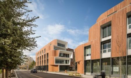Cladirea de birouri One North  - O cladire de birouri de inspiratie gaudiana infrumuseteaza un vechi teren industrial din Portland