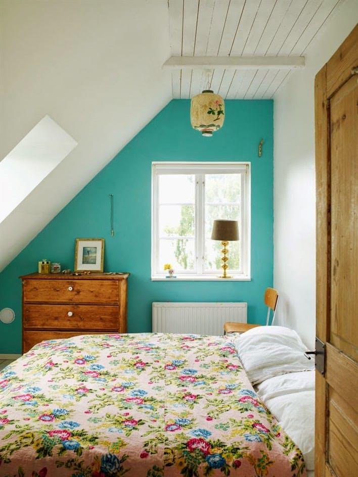Turcoaz - 6 culori aprinse, numai bune de incercat daca ai un dormitor mic
