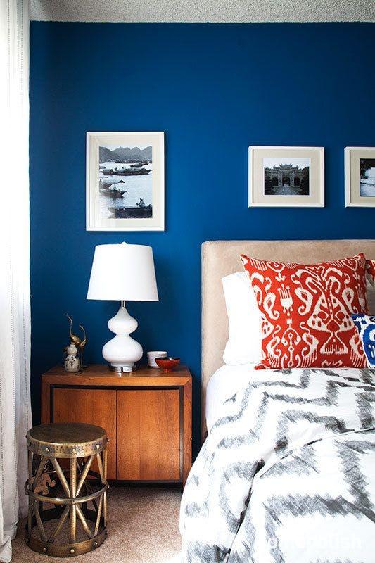Albastru - 6 culori aprinse, numai bune de incercat daca ai un dormitor mic